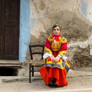 Femme en habit traditionnel Sardaigne