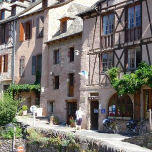 conques village aveyron