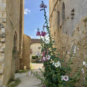 Larressingle village gers france